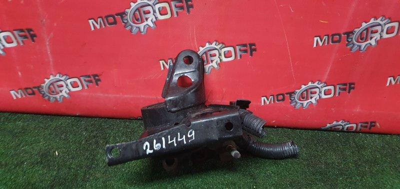 Подушка двигателя Nissan Wingroad WRY11 QR20DE 2001 правая (б/у)