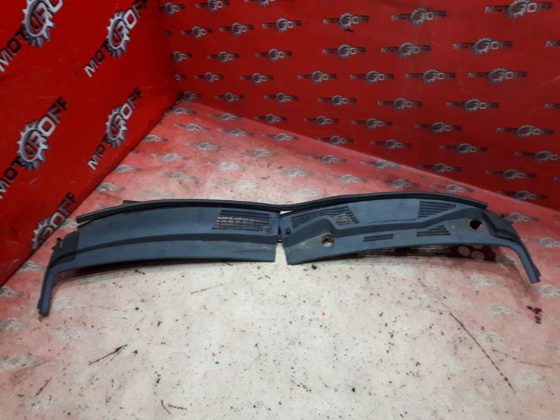 Решетка под лобовое стекло Honda Fit GD1 L13A 2001 (б/у)