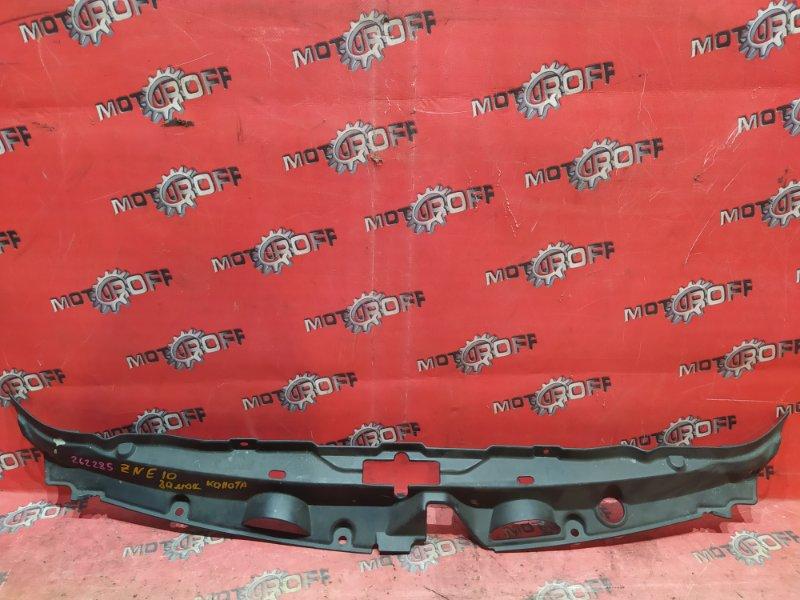 Накладка на решетку радиатора Toyota Wish ZNE10G 1ZZ-FE 2003 (б/у)