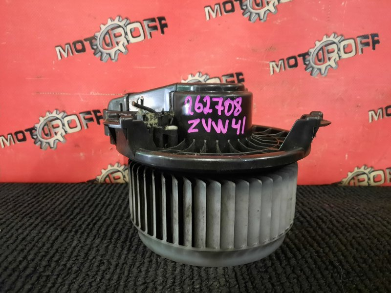 Вентилятор (мотор отопителя) Toyota Prius ZVW41W 2ZR-FXE 2011 (б/у)