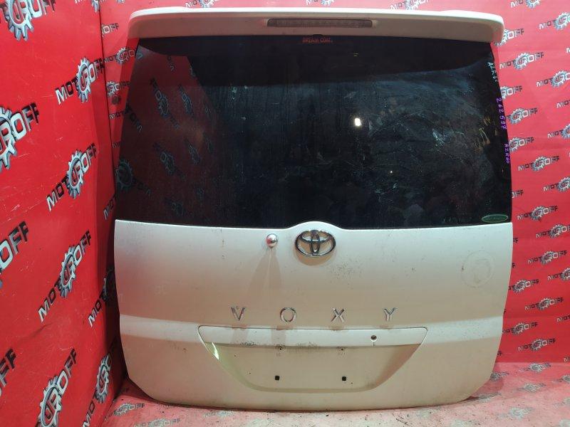 Дверь задняя багажника Toyota Voxy AZR60G 1AZ-FSE 2001 задняя (б/у)