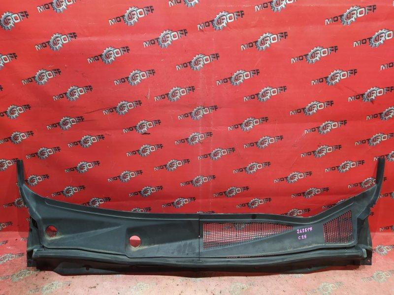 Решетка под лобовое стекло Nissan Serena C25 MR20DE 2005 (б/у)