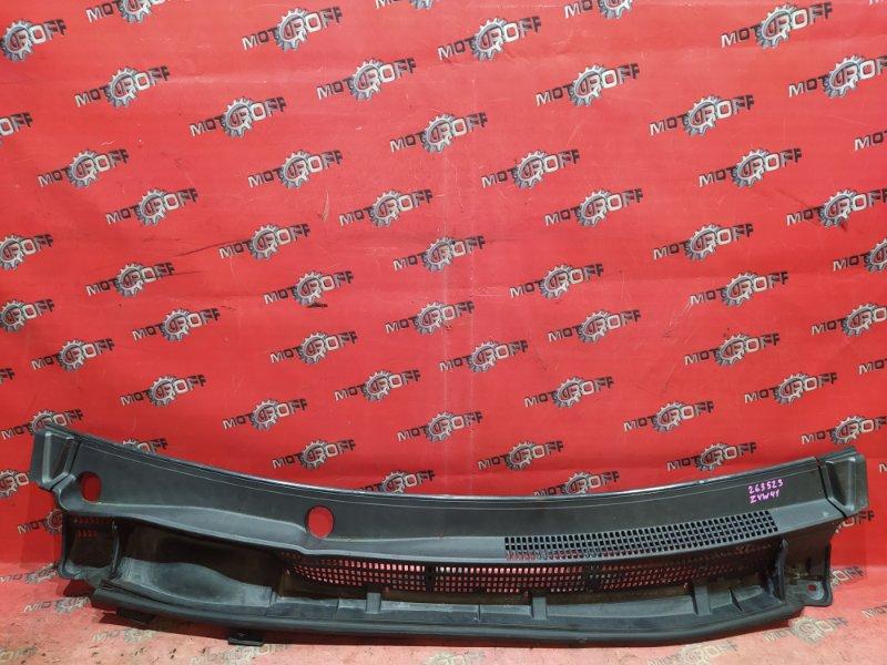 Решетка под лобовое стекло Toyota Prius ZVW41W 2ZR-FXE 2011 (б/у)