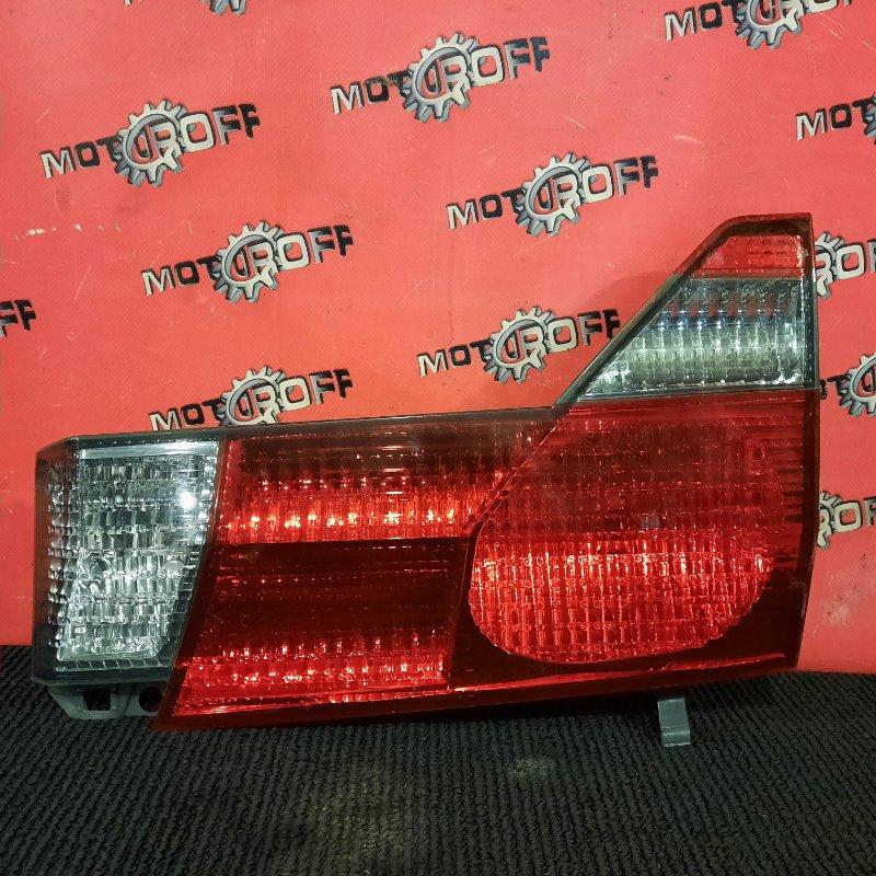 Фонарь (вставка багажника) Toyota Alphard MNH10W 1MZ-FE 2002 задний правый (б/у)