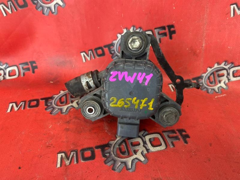 Помпа Toyota Prius ZVW41W 2ZR-FXE 2011 (б/у)