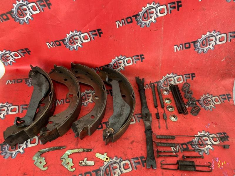 Колодки тормозные Nissan Ad VFY11 QG15DE 1999 задние (б/у)