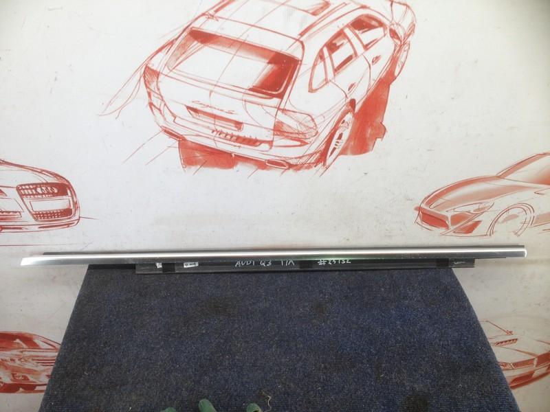 Молдинг-уплотнитель стекла двери (бархотка) Audi Q3 (2011-2019) передний левый
