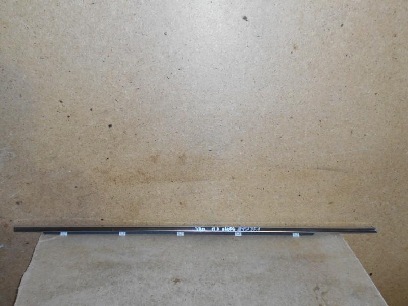 Молдинг-уплотнитель стекла двери (бархотка) Hyundai I40 (2011-2017) передний правый