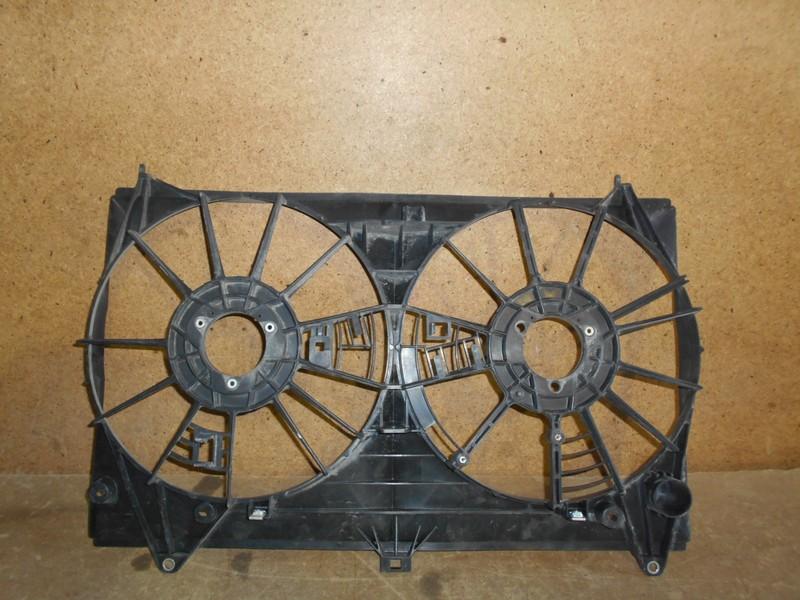 Диффузор радиатора охлаждения - рамка вентиляторов Lexus Gs -Series 2011-2017