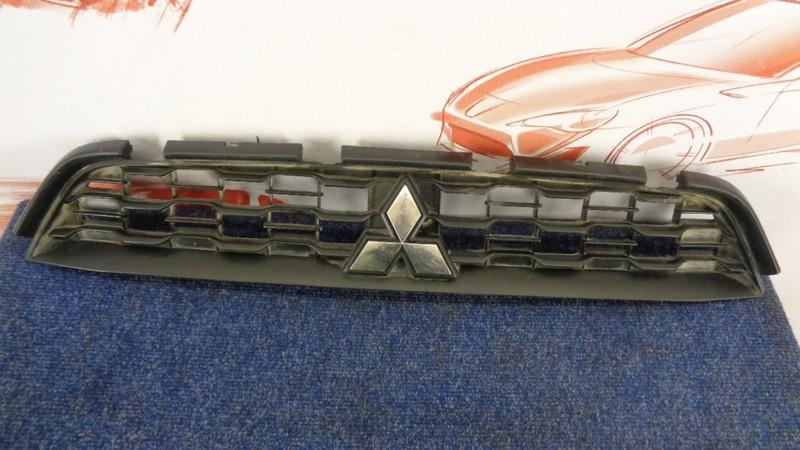 Решетка радиатора Mitsubishi Asx (2010-Н.в.) 2012