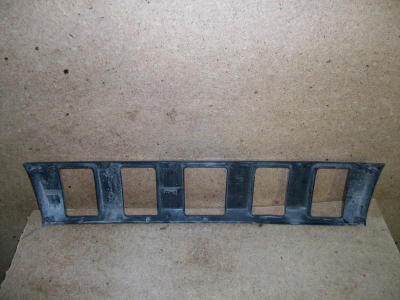 Решетка радиатора Suzuki Jimny (1998-2019) 2012