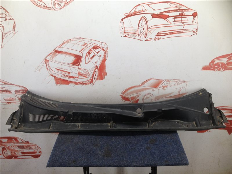 Накладка ветрового стекла (жабо) Toyota Rav-4 (Xa30) 2005-2013