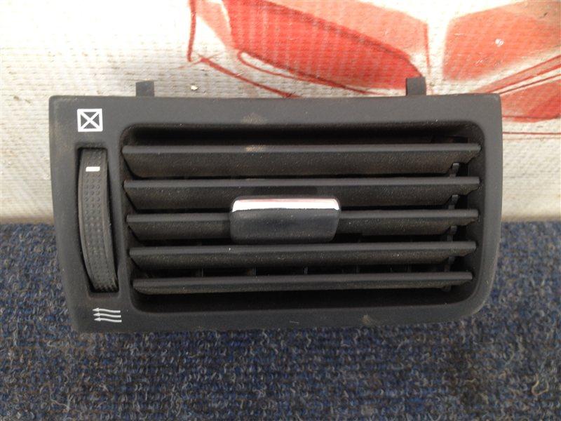Дефлектор потока воздуха салона Toyota Avensis (T25_) 2003-2009 1ZZ-FE (1800CC) 2006 передний