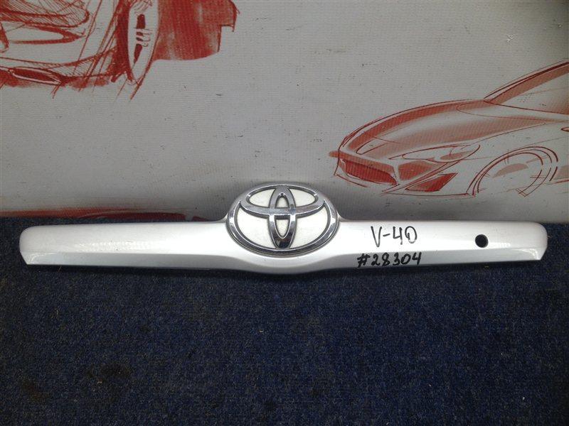 Ручка (молдинг) крышки багажника Toyota Camry (Xv40) 2006-2011 2006