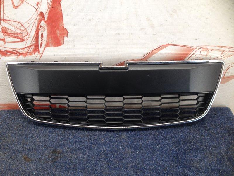 Решетка радиатора Chevrolet Aveo 2012-2015 нижняя