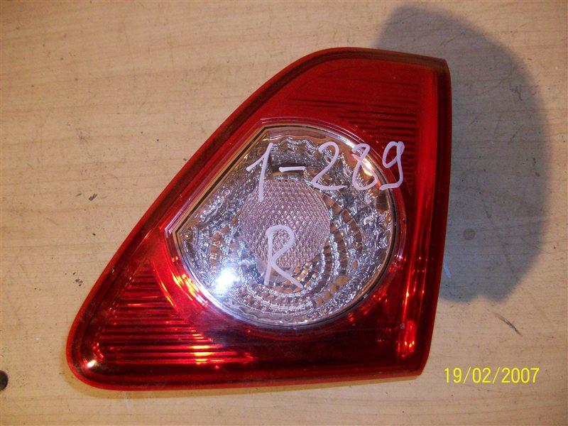 Фонарь правый - вставка в дверь / крышку багажника Toyota Corolla (E15_) 2006-2013 2006