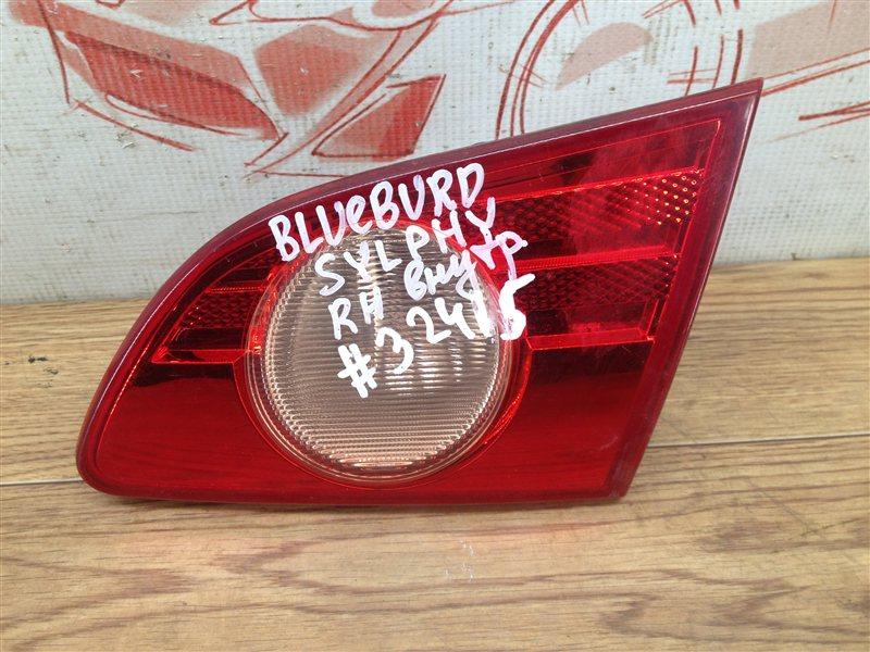 Фонарь правый - вставка в дверь / крышку багажника Nissan Bluebird Sylphy (2005-2012)