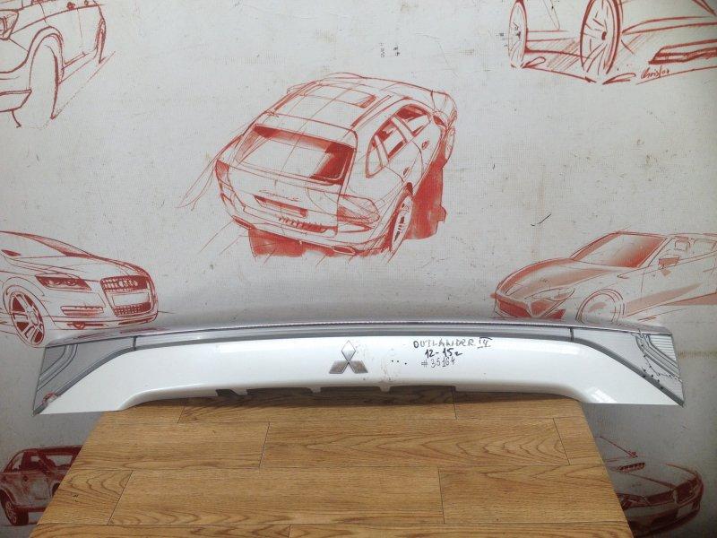 Накладка / молдинг двери багажника Mitsubishi Outlander (2012-Н.в.) 2012