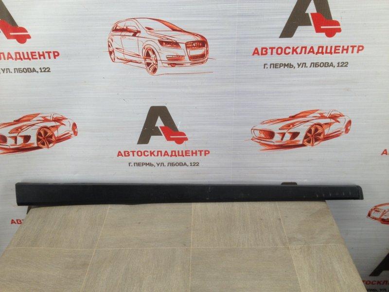 Молдинг двери передней левой Lada Vesta
