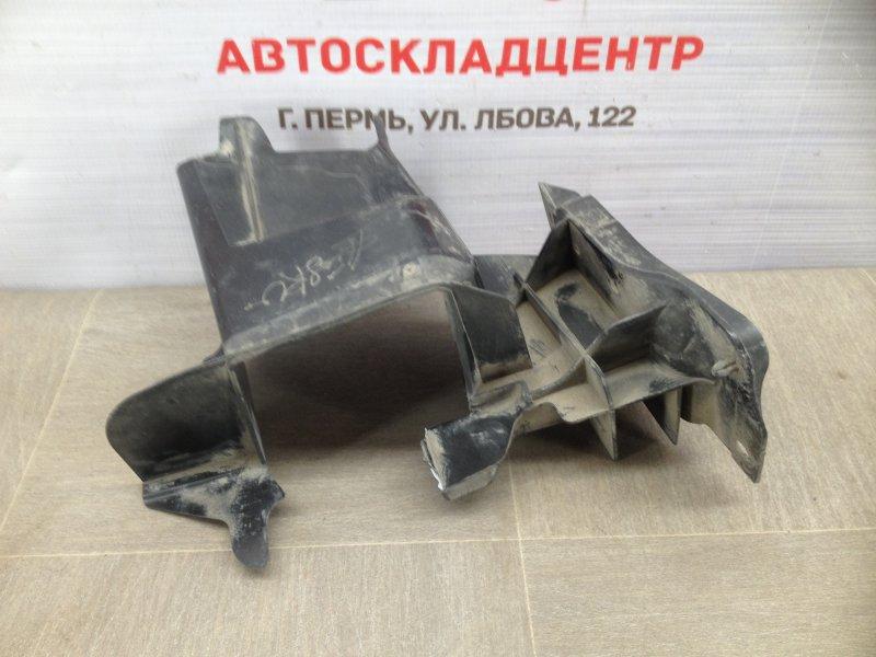 Дефлектор воздушного потока основного радиатора Volkswagen Amarok (2010-Н.в.) 2010 правый