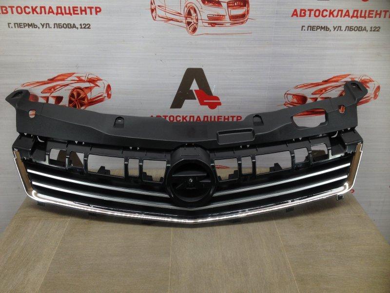 Решетка радиатора Opel Astra - H (2004-2014) 2007