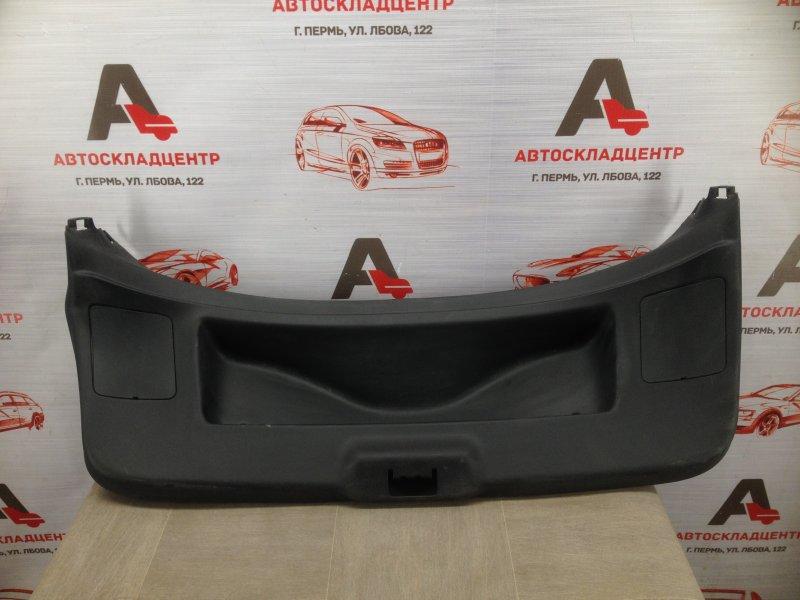 Обшивка двери багажника Renault Megane (2008-2016)