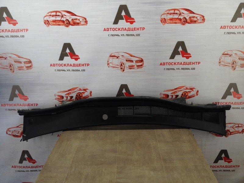 Накладка ветрового стекла (жабо) Toyota Camry (Xv50) 2011-2017