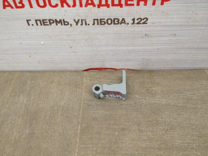 Петля двери Skoda Rapid (2012-2020) передняя правая верхняя