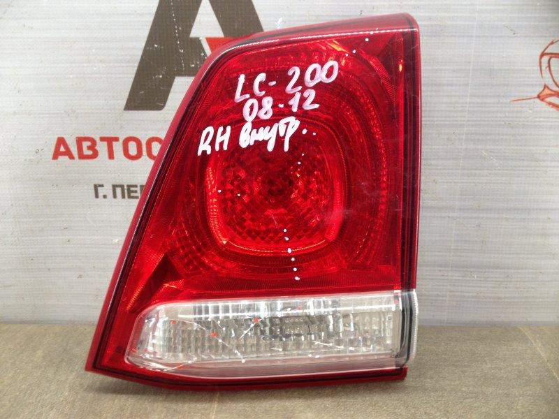 Фонарь правый - вставка в дверь / крышку багажника Toyota Land Cruiser 200 (2007-Н.в.) 2011