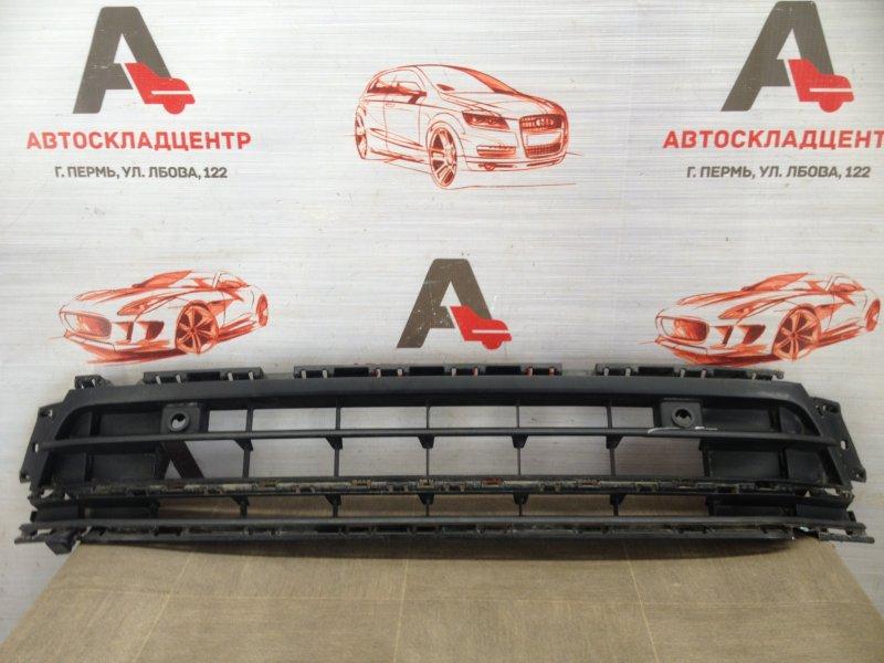 Решетка бампера переднего Volkswagen Jetta (Mk6) 2010-2019 2015
