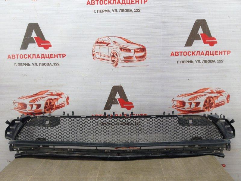 Решетка бампера переднего Mercedes Gla-Klasse (W156) 2013-2020 2013