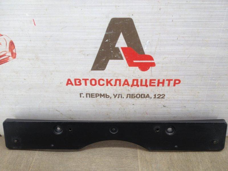 Планка (рамка) номерного знака Toyota Camry (Xv50) 2011-2017 2014