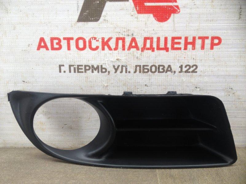 Накладка противотуманной фары / ходового огня Toyota Corolla (E12_) 2000-2007 2004 правая