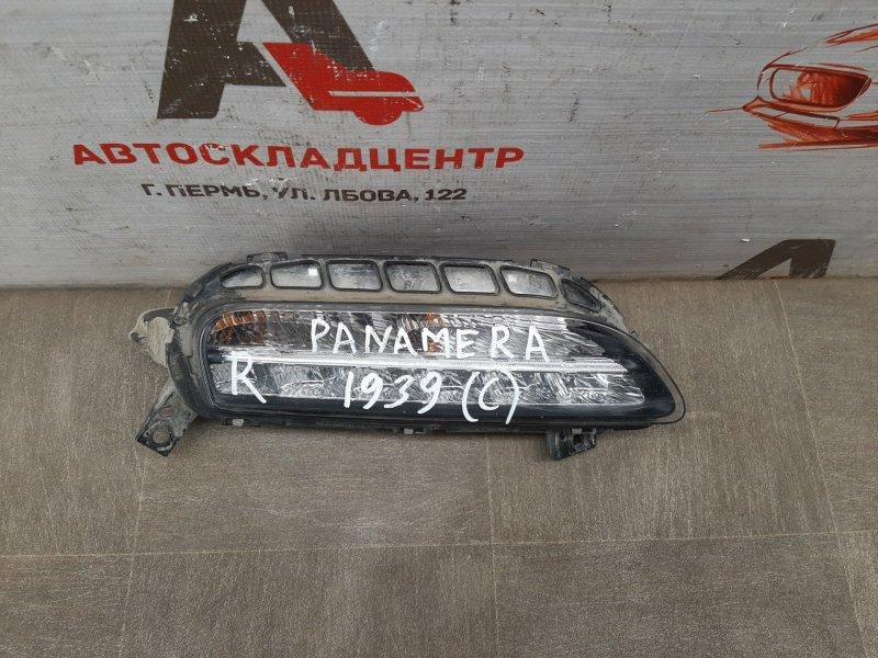 Фара - габаритный огонь Porsche Panamera (2009-2016) правая