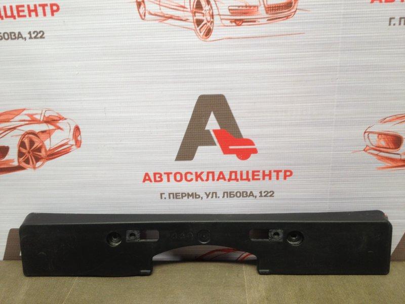 Планка (рамка) номерного знака Toyota Highlander (Xu50) 2013-Н.в. 2013