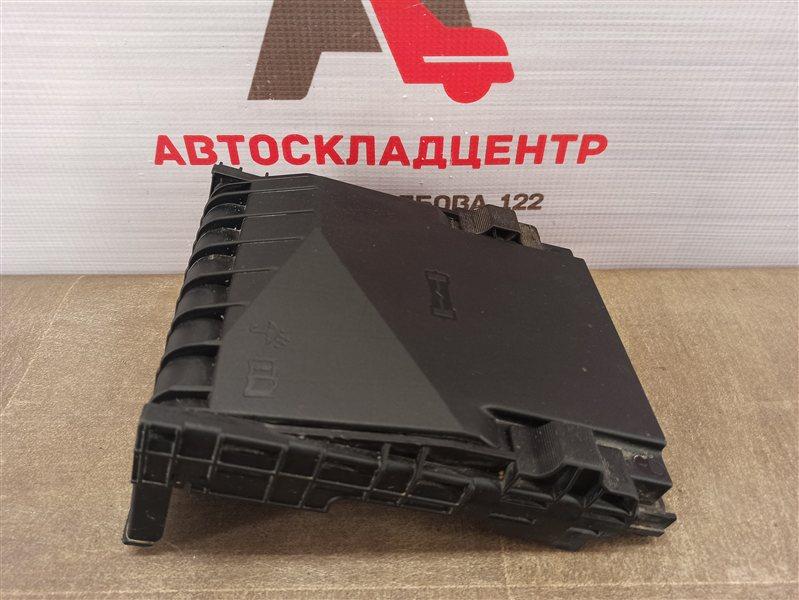 Электрика - блок предохранителей (крышка) Skoda Octavia (2004-2013)
