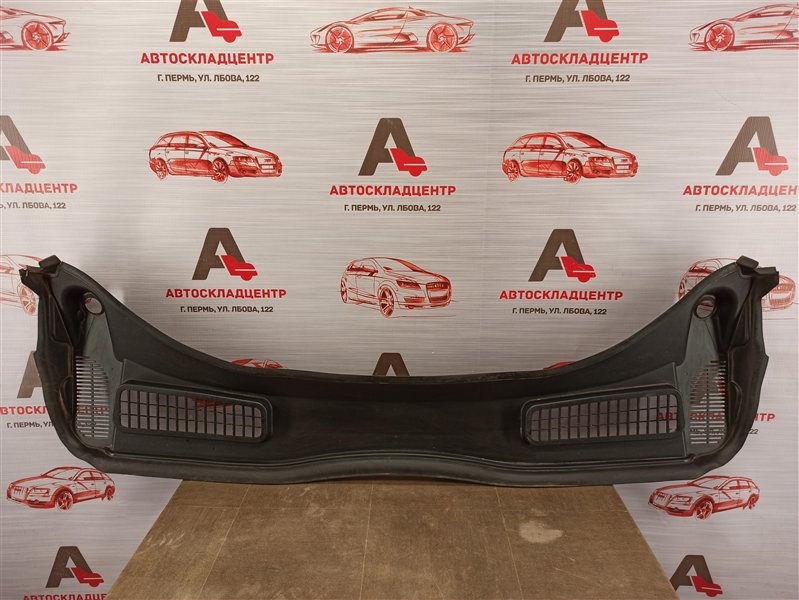 Накладка ветрового стекла (жабо) Ford Kuga 2011-2019