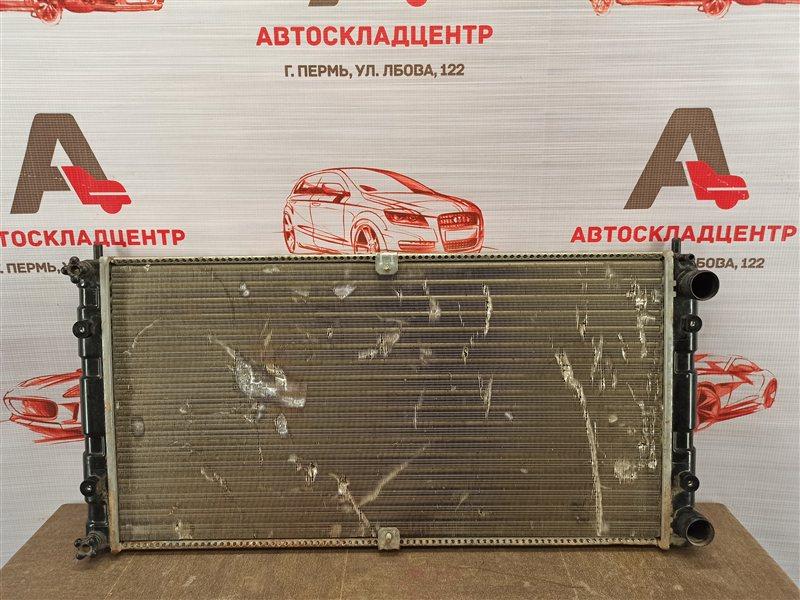 Радиатор охлаждения двигателя Chevrolet Niva
