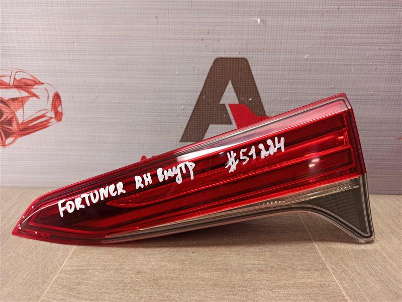 Фонарь правый - вставка в дверь / крышку багажника Toyota Fortuner (An160) 2015-Н.в.