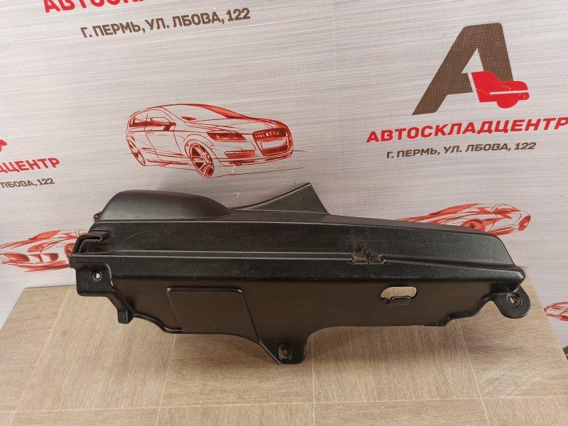 Обшивка багажника - задняя полка / шторка Lada Kalina правая