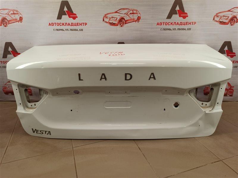 Крышка багажника Lada Vesta