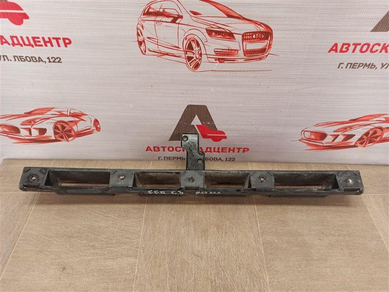 Кронштейн бампера заднего центральный Ford Focus 3 2010-2019