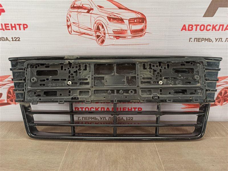Решетка бампера переднего Ford Focus 3 2010-2019 2010