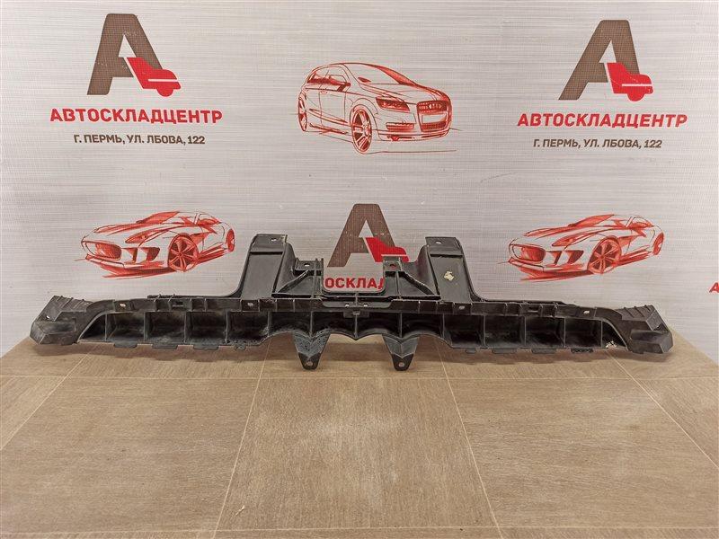 Кронштейн бампера заднего центральный Audi Q3 (2011-2019)