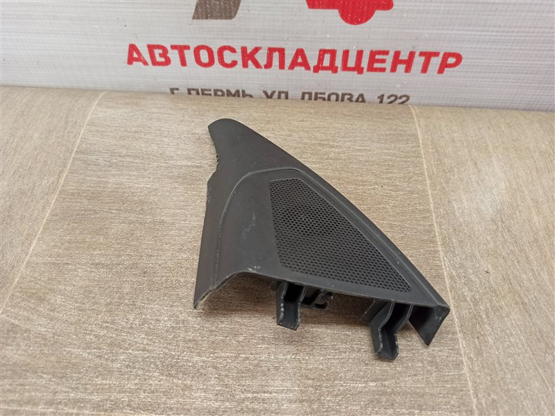 Обшивка двери - накладка Lada Vesta левая