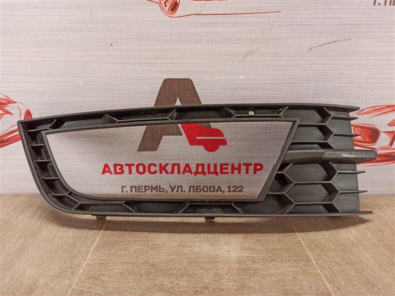 Накладка противотуманной фары / ходового огня Skoda Octavia (2012-2020) 2012 правая