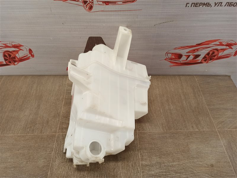 Бачок омывателя Toyota Rav-4 (Xa40) 2012-2019