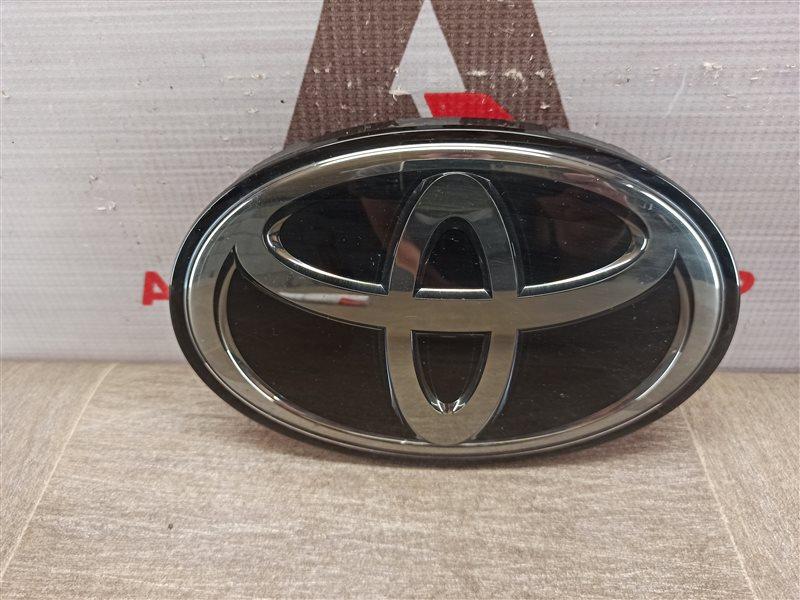 Эмблема (значок) Toyota Land Cruiser 200 (2007-Н.в.) 2015 передняя