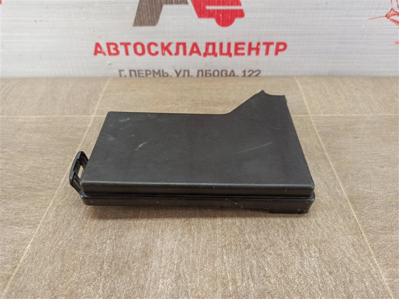 Электрика - блок предохранителей (крышка) Nissan Qashqai (2006-2013)