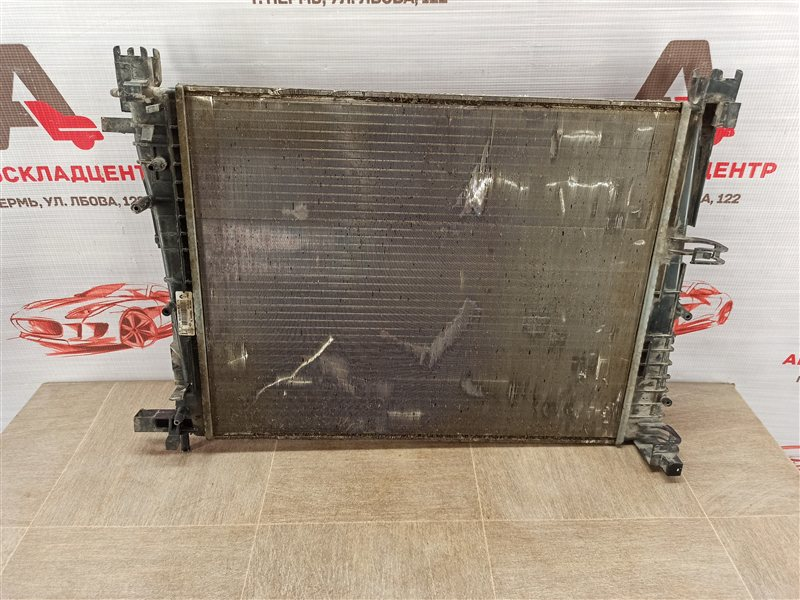 Радиатор охлаждения двигателя Renault Logan (2014-Н.в.)